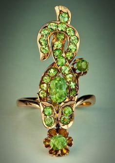 Art Nouveau Green Flower Demantoid Ring. C. 1908-1917.