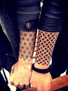 Best Couple Matching Tattoo collection of 2018 from our goose tattoo shop. couple matching tattoo designs for you. Paar Tattoo, Tattoo Style, Get A Tattoo, Body Art Tattoos, New Tattoos, Tattoos For Guys, Forearm Tattoos, Wrist Tattoo, Xoil Tattoos