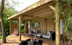 Veranda achter in de tuin, gat in het dak waar dan de schoorsteen vd hottub door kan. Sounds great!!