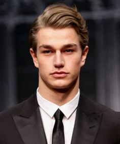 classic men hairstyles wavy hair Classic Men Hairstyles Still Booming