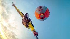 dave1990 nimmt an dem CEWE Fotowettbewerb mit einem Selfie von seinem Sprung aus einem Heißluftballon, teil. https://contest.cewe-fotobuch.de/sport-2016/photo/hot-air-balloon-jump