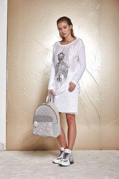 DANIELA DALLAVALLE - Lookbook #collection #danieladallavalle #PE17 #woman #sneakers #bag #skirt #tshirt #elisacavaletti