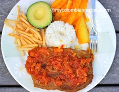 Sobrebarriga en Salsa Criolla (Flank Steak with Colombian Creole Sauce) Colombian Dishes, My Colombian Recipes, Colombian Cuisine, Colombian Culture, Creole Sauce, Flank Steak, One Pot Meals, Tandoori Chicken, Stuffed Peppers
