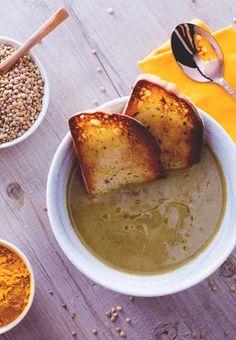 Crema di lenticchie: i piatti semplici e poveri sono sempre i più buoni. Prova questa crema preparata con le buonissime lenticchie di Norcia.  [Lentil soup]