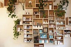 13 Original Salon Decorating Ideas