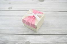Rózsaszín csipkés dobozka - Tökéletes esküvői meghívók Gift Wrapping, Gifts, Gift Wrapping Paper, Presents, Wrapping Gifts, Favors, Gift Packaging, Gift