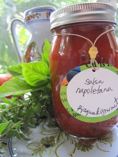 SALSA NAPOLETANA - Neapolitan sauce- 16 0z. jarHave a little taste of Naples, Italy with Salsa Napoletana! Salsa Napoletana is a chunky sauce made from fresh tomatoes, basil and oregano. This simple and delicious sauce is perfect on pasta or on your homemade pizza!