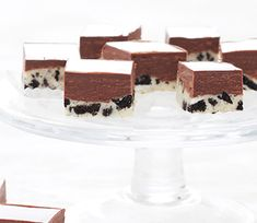 Fudge of Oreo! The raven black American biscuit with vanilla filling kills tasty as a snack or coffee, but now turns the sweet sin increasingly in (calorie) dessert recipes. you go for classic brownies, fudge or an original?