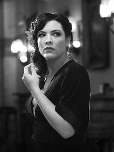 """Caro emerald, You describe her, in english """"plus size"""", we describe her """"balık etli""""."""