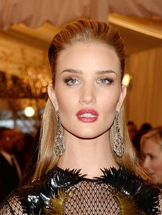 Red-Carpet Beauty: The Best Hair and Makeup Looks From the 2013 Met Gala - Rosie Huntington-Whiteley http://primped.ninemsn.com.au/galleries/hair-galleries/red-carpet-beauty-the-best-hair-and-makeup-looks-from-the-2013-met-gala?image=51