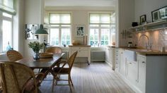 Elements of a large country kitchen | The Chronicle Herald