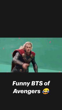 Avengers Cartoon, Marvel Avengers Movies, Avengers Memes, Marvel Actors, Avengers Age, Marvel Art, Captain Marvel, Funny Science Jokes, Funny Marvel Memes