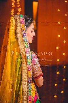 Ayeza Khan's mehndi outfit - love this border on her dupatta