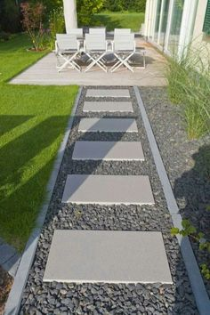 08 Walkways Front Yard Landscaping Ideas on a Budget - modern front yard landscaping ideas Side Yard Landscaping, Backyard Patio, Landscaping Ideas, Backyard Ideas, Patio Ideas, Walkway Ideas, Hillside Landscaping, Stone Backyard, Landscaping Borders