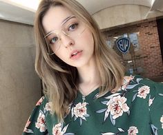 Born in Russia☮Don't put tags on yourself,it creates boundaries.☽ contact my company(by Grandma's in da house. Girl Face, Woman Face, Beauty Full Girl, Beauty Women, Angelina Danilova, Cute Nerd, Russian Beauty, Girl Inspiration, Interesting Faces