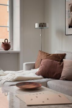 Gardening Autumn - Muted rust, Burgundy and blush - With the arrival of rains and falling temperatures autumn is a perfect opportunity to make new plantations Room, Interior, Home Remodeling, Living Room Decor, Interior Styling, Home Decor, House Interior, Room Decor, Interior Design