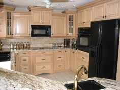 Please Post Photos Off White Cream Cabinets And Black Appliances