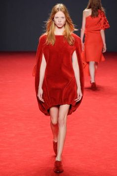 Cape Dress made out of Red Carpet - Viktor & Rolf   Fall 2014 Couture Collection   Style.com