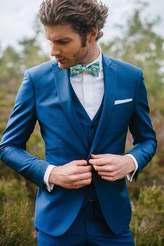 Wedding Suit Styles, Bow Tie Wedding, Wedding Men, Wedding Suits, Wedding Attire, Vintage Groom, Blue Suit Men, Wedding Sherwani, Wedding Costumes