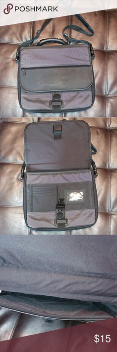 """Laptop Case Great condition. Small scuff on back button. 13x11x2"""" Bags Laptop Bags"""