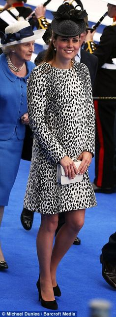 6-13-13.    Monochrome: Kate carried a white box clutch bag and wore black LK Bennett shoes