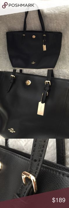 💯Coach LG Turnlock Tote in Crossgrain Leather Blk 💯🌷🌼 Large Coach Turnlock Tote in Black Crossgrain Leather and Silver Hardwares. Purse is in excellent pre-owned conditions. It is clean inside and outside minimal signs of wear. Pet free smoke free home. 🚫trade. This bag is still currently listed at Major department stores for $295. All reasonable offers welcome. Thank you 🌺🌼🌷 Coach Bags Totes