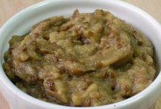 Steam pork ribs with garlic! Eggplant Salad, Walnut Salad, Pork Ribs, Relleno, Cheeseburger Chowder, Guacamole, Oatmeal, Appetizers, Soup