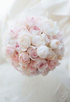 ラウンドブーケ ヒルトン東京ベイ様へ ピンクパール ご姉妹で : 一会 ウエディングの花