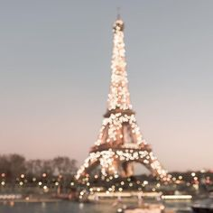 Paris is probably the most popular city in the world and people go here for more vacations mostly to enjoy its culture, history and architecture. Paris is Oh The Places You'll Go, Places To Travel, Travel Destinations, Places To Visit, Oh Paris, Paris Cafe, Paris Winter, Paris At Night, Montmartre Paris
