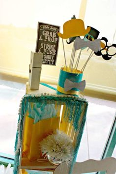 little-man-baby-shower-photobooth-props-sign