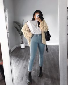 2020 Beautiful and Fashionable Winter Casual Outfits mode teenager 2020 Beautiful and Fashionable Winter Casual Outfits - Naija's Daily Casual Winter Outfits, Simple Outfits, Trendy Outfits, Fall Outfits, Trendy Clothing, Summer Outfits, Flannel Outfits, Clothing Hacks, Casual Fall
