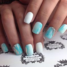 The water manicure is very popular today. If you nails are not very long, any way you can make such ...