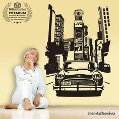 """El mítico taxi """"Chequer"""" todo un símbolo americano en Times Square, en el centro de Nueva York. Al fondo el edificio """"One Times Square"""", el espacio donde anunciarse resulta más caro del mundo. Prudential, JVC, Samsung, Coca Cola y Dunkin Donuts son algunas de las marcas que pueden permitírselo #teleadhesivo #decoracion"""