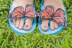 Look for embellishments that guests can glue onto inexpensive flip flops.