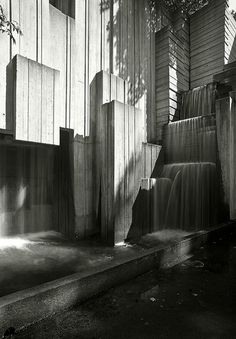 Seattle Freeway Park Inside Fountain Crashing Sounds