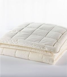 Find the best Ultrasoft Cotton Comforter at L. Our high quality home goods are designed to help turn any space into an outdoor-inspired retreat. Flat Sheets, Bed Sheets, Comforter Sets, Duvet, Sofa Pillows, Throw Pillows, Best Jersey, Peacock Pillow, Side Sleeper Pillow