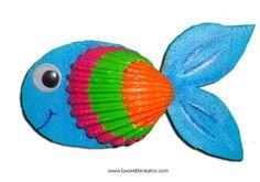 LAVORETTI PER BAMBINI CON CONCHIGLIE Nel periodo estivo delle vacanze scolastiche vi proponiamo la realizzazione di alcuni piccoli pesci ricavati da panni