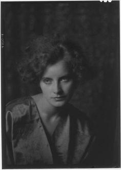 bleuroses:  Arnold Genthe • Greta Garbo, 1925                                                                                                                                                                                 More
