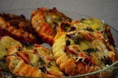 Tartaletky - Kouzlo tartaletek je v tom, že jsou maličké a roztomilé. Dělají se z křehkého těsta, slaná varianta snese i podklad i z listového těsta.