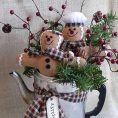 Gingerbread Man Holiday Centerpiece by SnowmanCollector on Etsy Primitive Christmas, Gingerbread Christmas Decor, Gingerbread Crafts, Gingerbread Decorations, Country Christmas, Vintage Christmas, Christmas Holidays, Christmas Decorations, Christmas Ornaments