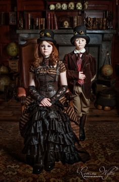 Steampunk kids by Romana Wyllie on Parenting done right in my opinion. Steampunk Couture, Steampunk Kids, Viktorianischer Steampunk, Steampunk Cosplay, Steampunk Wedding, Steampunk Clothing, Steampunk Fashion, Victorian Fashion, Steampunk Outfits