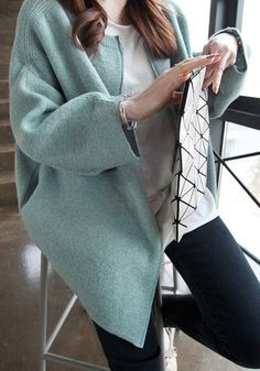 Batwing Sleeve Zipper Knit Cardigan