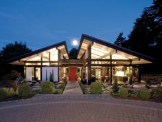 Perfect Modern Timber-Framed Minimalist Bungalow House Design Inspiration with Mesmerizing Lighting Design and Beauty Garden