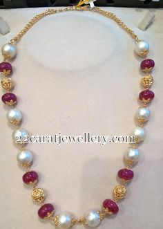 Latest Collection of best Indian Jewellery Designs. Gold Jewellery Design, Bead Jewellery, Pearl Jewelry, Beaded Jewelry, Jewelery, Pearl Necklace Designs, Jewelry Model, Jewelry Sets, Sea Pearls