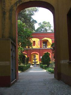 Haciendas.....love them! Hacienda Decor, Hacienda Homes, Mexican Hacienda, Hacienda Style, Mexican Style, Spanish Design, Spanish Style Homes, Spanish House, Spanish Colonial