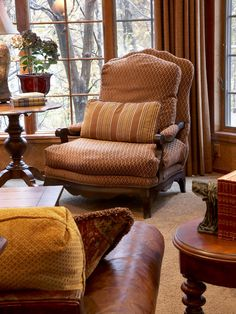 Traditional Living Room French Provincial Design, Pictures, Remodel, Decor and Ideas - page 70