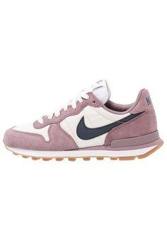 san francisco dbc18 38909 Compra Zapatillas bajas de mujer color lavanda de Nike sportswear al mejor  precio. Compara precios de zapatillas de tiendas online como Zalando -  Wossel ...