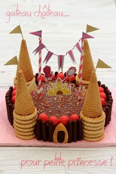 """Geburtstagstorte """"Princess Castle"""" - sucré You are in the right place about Birthday Cake for adults Here we offer you the most beautiful pictures about the Birthday Cake funny you are looking for. Princess Castle, Princess Party, Kale Pasta, Adult Birthday Cakes, 25th Birthday, Cake Shapes, Number Cakes, Kids Meals, Gingerbread"""