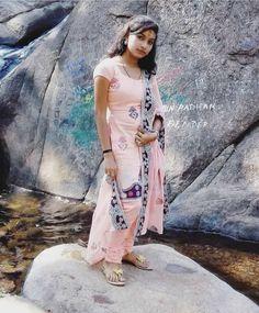 Beautiful Baby Girl, Beautiful Women, Dehati Girl Photo, Indian Girls, Girl Photos, Desi, Angel, Saree, Women's Fashion