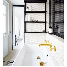 Black, white and brass, what's not to love!  #monochrome #brassobsessed #bathroomrenovation #nextreno #bathroominspo #interiordesign #interiorinspiration #byronbay #lifeinparadise #sagitinestyle ⚡️